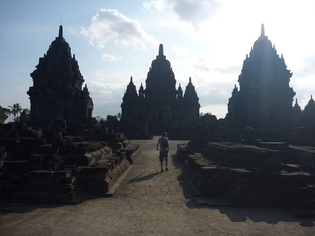 Candi Sewu - photo by Marie  https://flic.kr/p/fDrH34