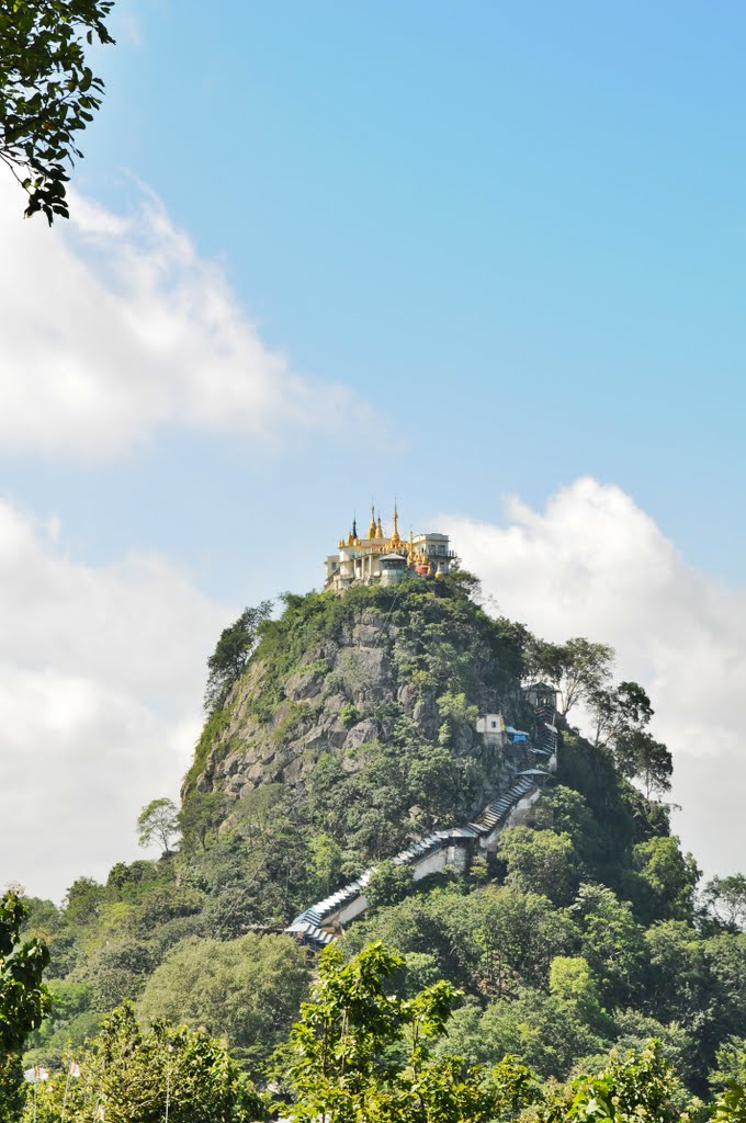 Taung Kalat with the Buddhist monastery