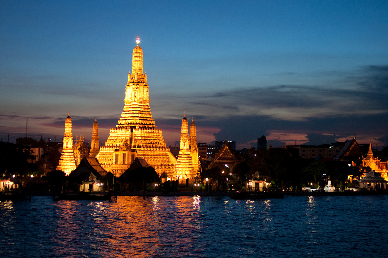 The Wat Arun in Bangkok. Photo via Fotopedia by Mark Fischer.