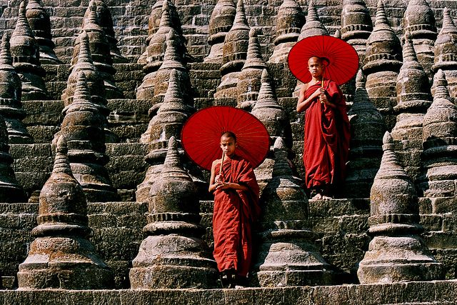 Monks in Myanmar / Burma - photo by Mrauk U, RURO photography, via Flickr