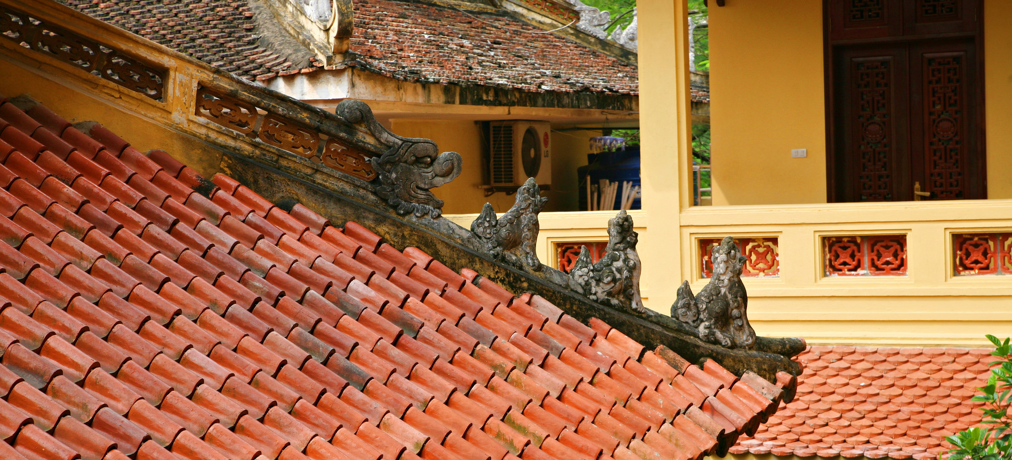 Roof ornamentation at Quan Su Pagoda, Hanoi