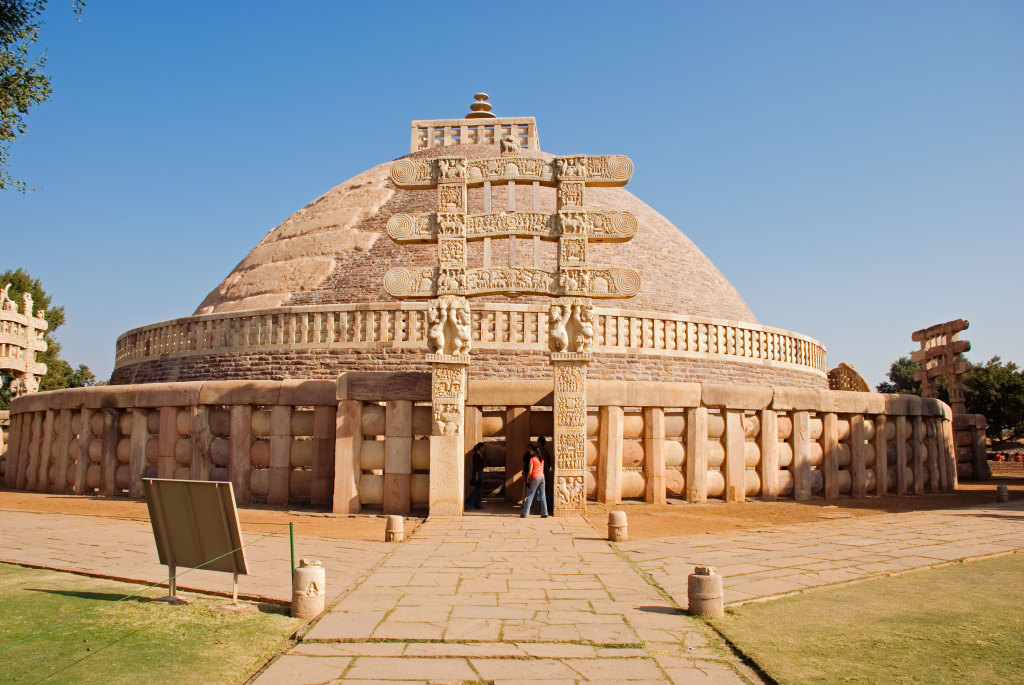 Sanchi. (Wikimedia Commons - http://commons.wikimedia.org/wiki/File:Sanchi1_N-MP-220.jpg)